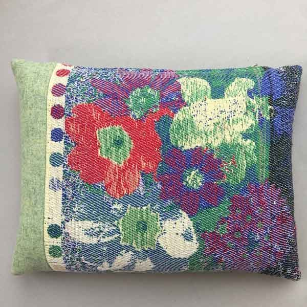 Cushion: flowers