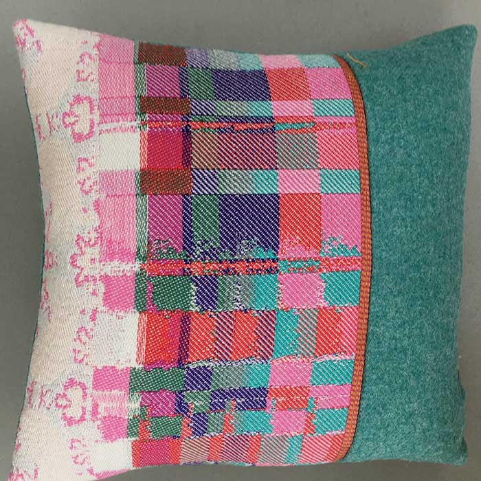 Cushion: double weave and painted warp